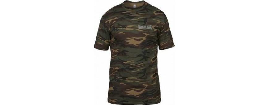 camiseta camuflaje bordada